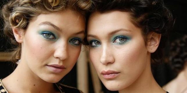 Gigi Hadid e Bella Hadid in primo piano e con lo stesso make-up
