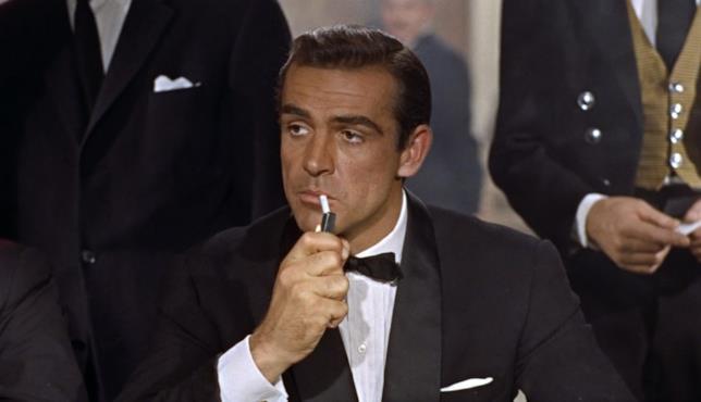 Connery in una scena del primo 007, Licenza di uccidere