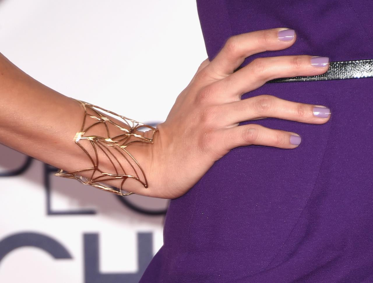 Un bracciale così carismatico può appartenere solo a...