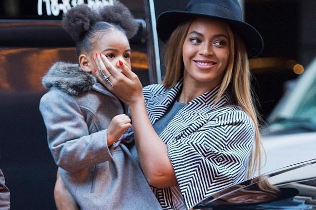 Primo piano di Beyoncé con la figlia Blue Ivy
