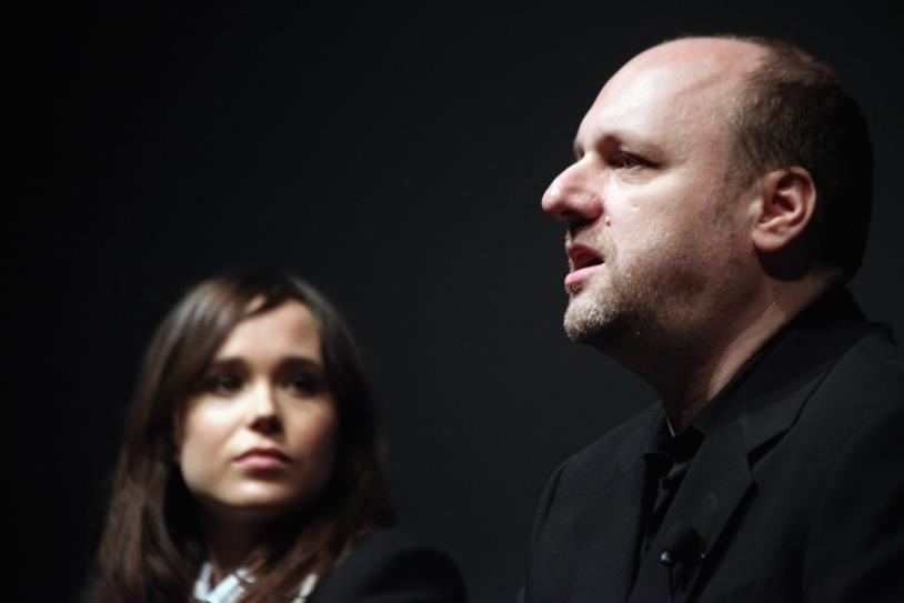 Un primo piano di David Cage con Ellen Page per Beyond: Due Anime