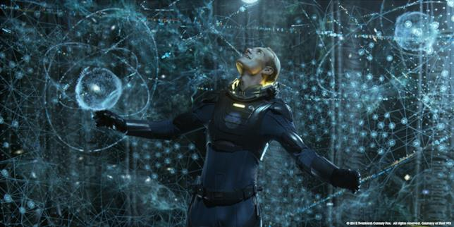 Michael Fassbender interpreta l'androide David in Prometheus