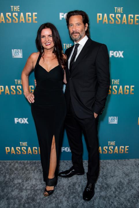 Alcuni dei protagonisti di The Passage durante la premiere della serie a Los Angeles