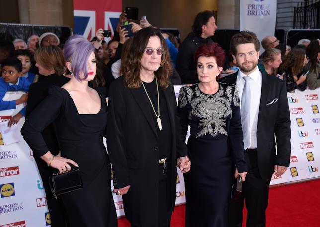 Foto di Sharon e Ozzy Osbourne con i figli Kelly e Jack