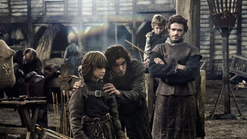 Jon Snow e Robb Stark nell'episodio 1x01 di Game of Thrones, Winter Is Coming