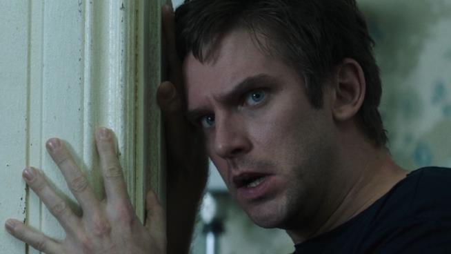 Dan Stevens nei panni di David Haller in Legion