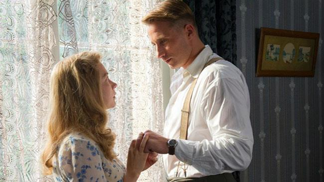 Michelle Williams e Matthias Schoenaerts in una scena del film