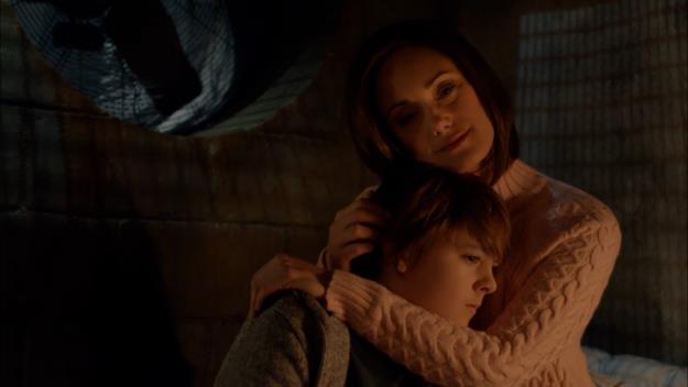 La vampira Kelly è interpretata da Natalie Brown e Zach Goodweather da Max Charles
