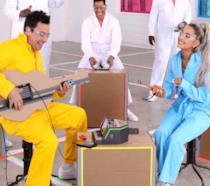 Ariana Grande nell'ultima puntata del Jimmy Fallon Show