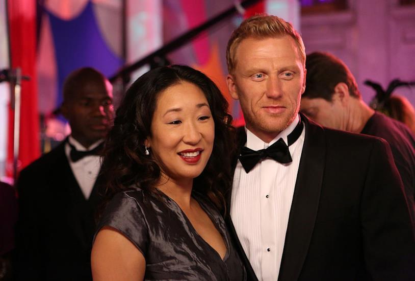 Una foto di Cristina e Owen sorridenti in Grey's Anatomy
