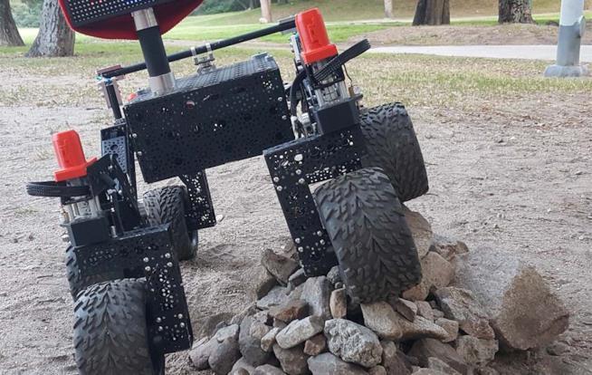 Rover su un mucchio di sassi