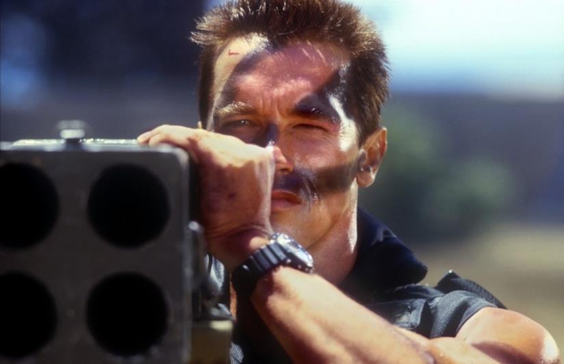 Arnold Schwarzenegger nella scena cult di Commando