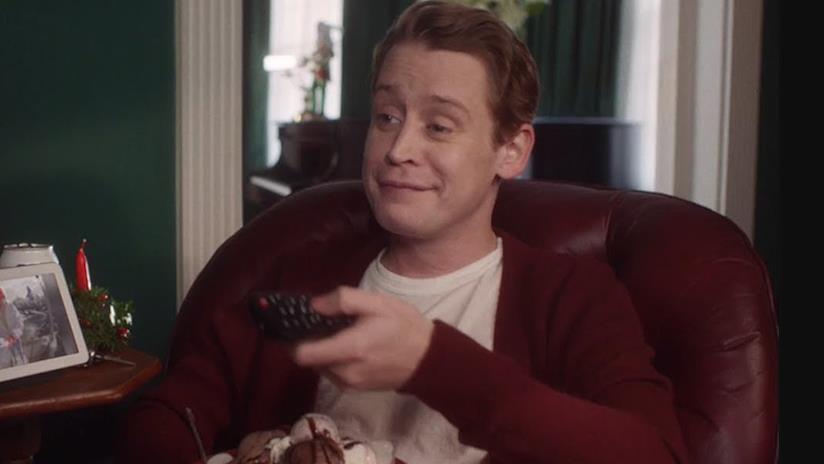 Macaulay Culkin nella parodia di Mamma ho perso l'aereo! per Google Home
