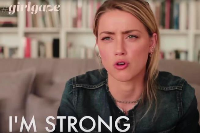 Amber Heard in un passaggio dell'intervista per #girlgaze