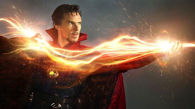 Stephen Strange prepara il suo viaggio nella Dimensione Oscura