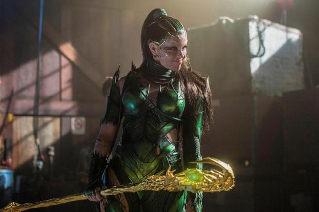 La recensione del film che riporta i Power Rangers al cinema
