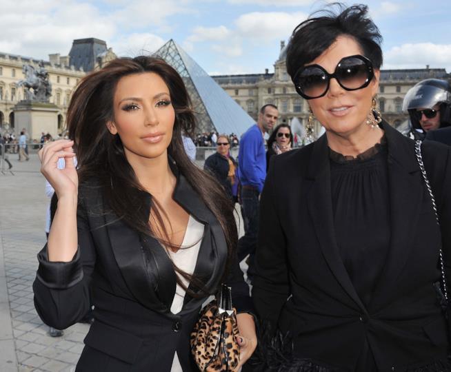 Primo piano di Kim Kardashian e Kris Jenner