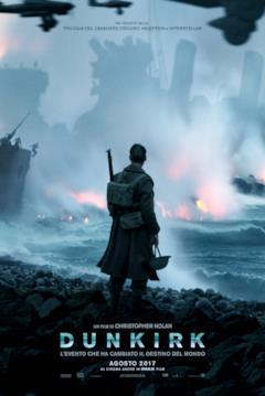 un soldato guarda il mare pieno di navi che bruciano