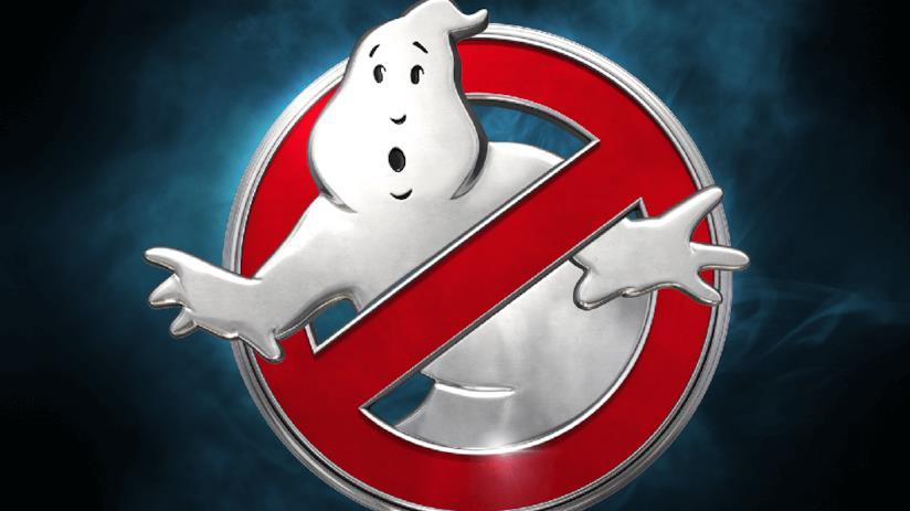Il logo di Ghostbusters: un divieto rosso che contiene un fantasma bianco