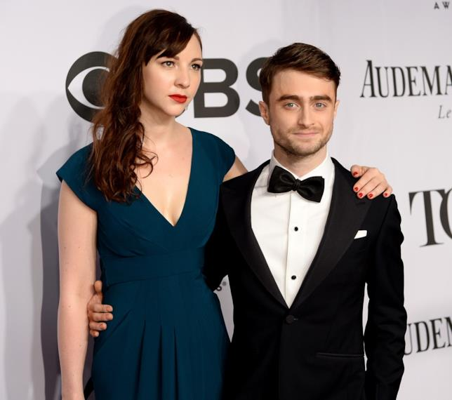 Daniel Radcliffe insieme a Erin Darke nel 2014