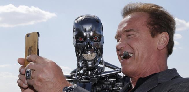 Terminator Genisys, Arnold Schwarzenegger e il robot