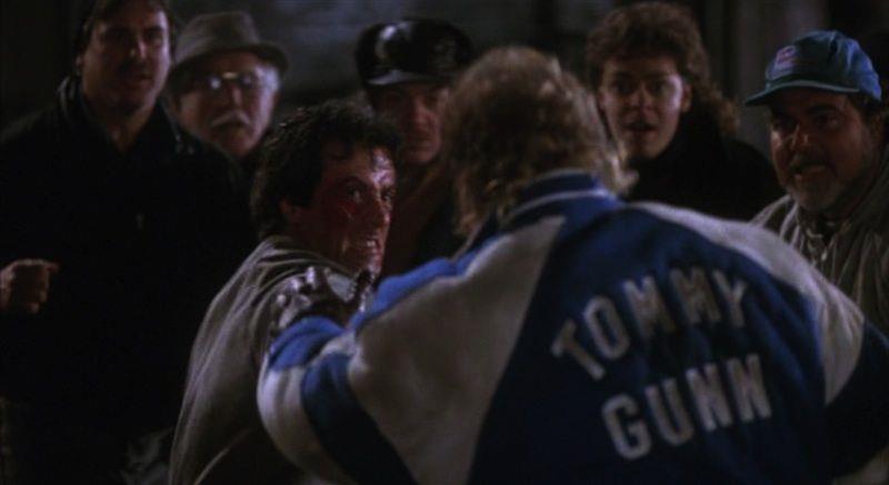 Rocky sta per dare un pugno a Tommy Gunn