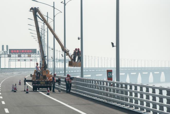 Ponte tra Hong Kong e Cina