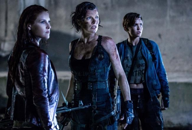 Resident Evil - The Final Chapter: l'addio con oltre 600 oggetti all'asta