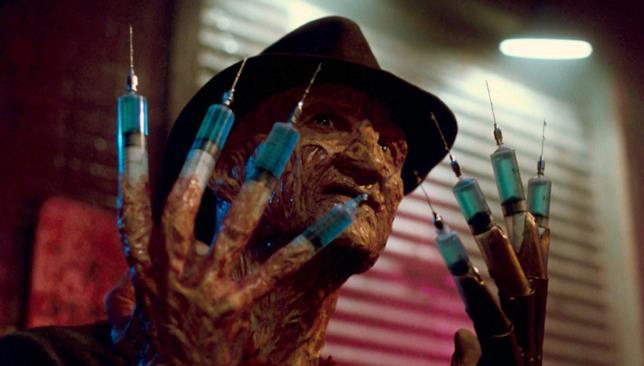 Freddy Krueger è interpretato da Robert Englund