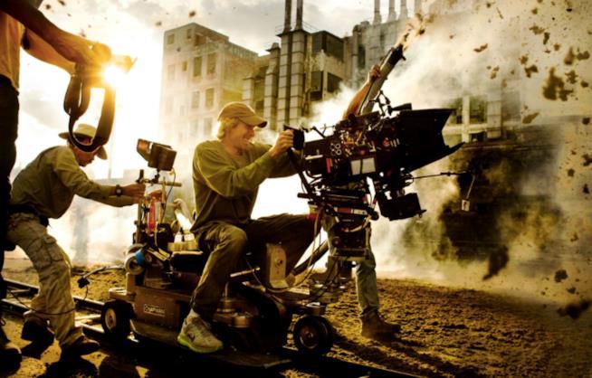 Michael Bay sul set di Transformers