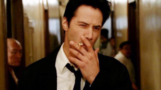 Keanu Reeves interpreta John Constantine