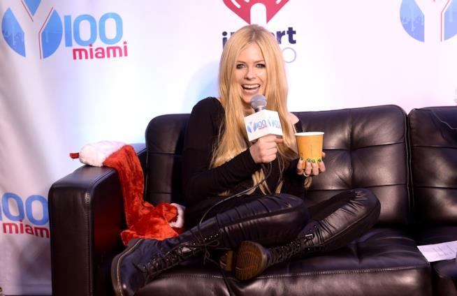 Immagine di Avril Lavigne durante un'intervista