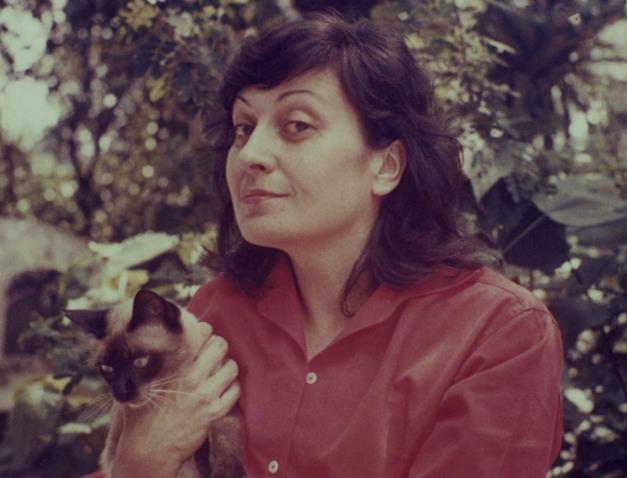 Lina Bo Bardi con il suo gatto