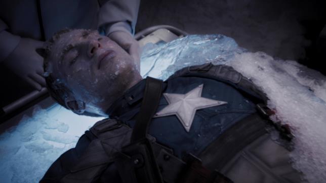 Steve Rogers liberato dal ghiaccio in Captain America - Il primo Vendicatore