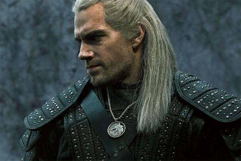Henry Cavill in un'immagine da The Witcher