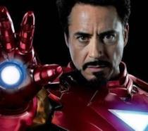 Robert Downey Jr. con l'armatura Iron Man