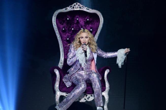 Il video del tributo di Madonna e Stevie Wonder a Prince ai Billboard Music Awards 2016