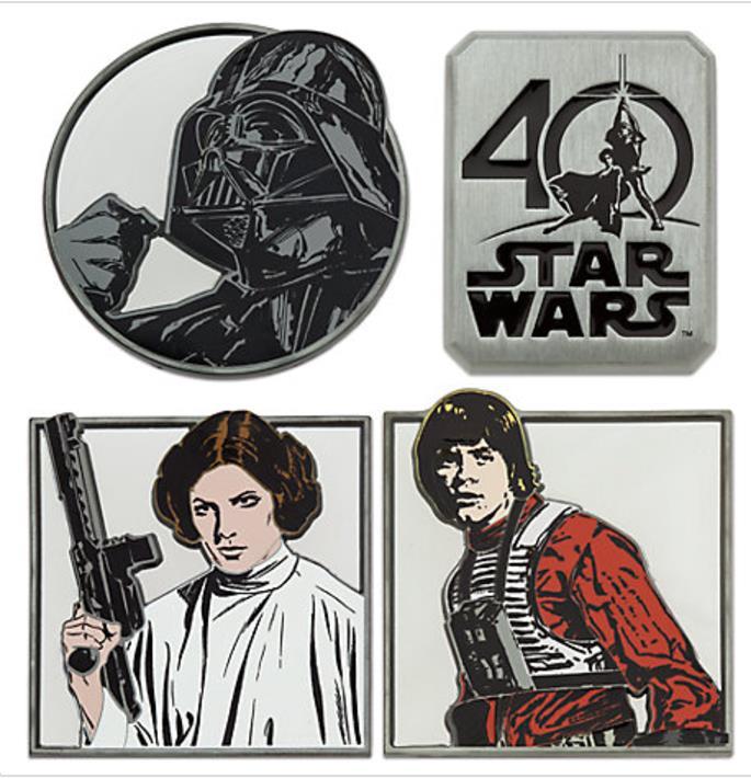 Disponibili presso tutti i Disney Store, le spillette per il quarantesimo anniversario di Star Wars