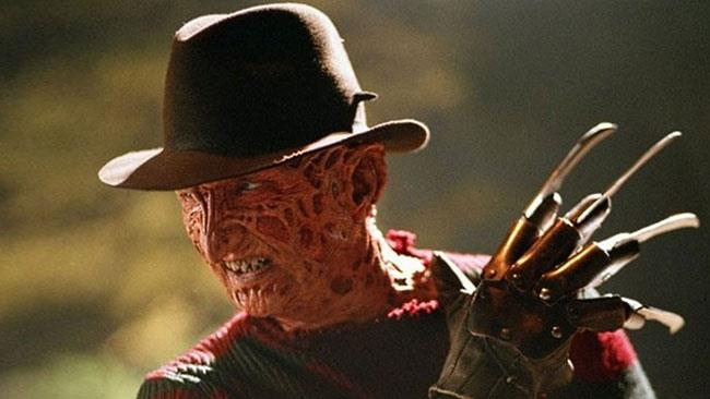 Robert Englund negli iconici panni di Freddy Krueger