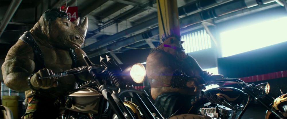 Rocksteady e Bebop dopo la mutazione in Tartarughe Ninja 2