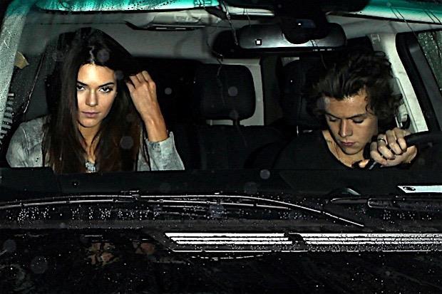Foto di Harry Styles e Kendall Jenner in auto