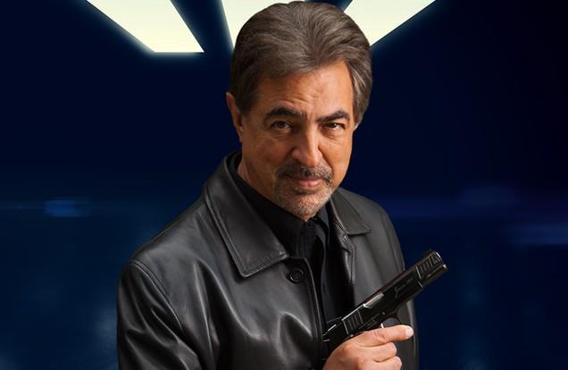 Joe Mantegna, nei panni di David Rossi, in una foto promozionale di Criminal Minds