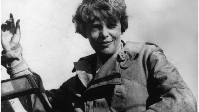 Un primo piano dell'aviatrice Amelia Earhart