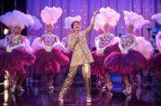 Renée Zellweger si esibisce come Judy Garland in una scena del biopic Judy