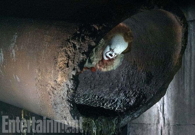 Il nuovo Pennywise sbuca dalle fogne