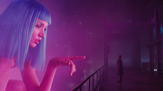 Ryan Gosling in una scena del trailer di Blade Runner 2049