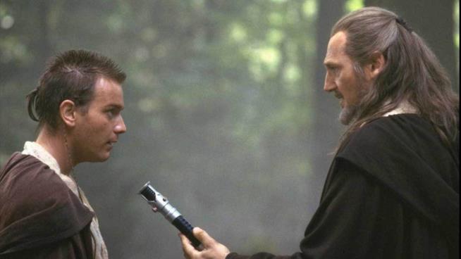 Ewan McGregor e Liam Neeson in una scena di Star Wars: La Minaccia Fantasma