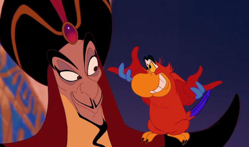 Jafar sogghigna con Iago