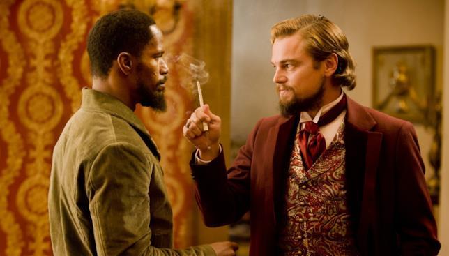 Jamie Foxx e Leonardo DiCaprio in una scena del film