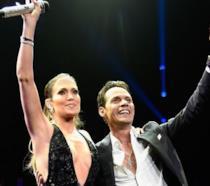 Duetto a sorpresa per Marc Anthony: sul palco arriva l'ex moglie Jennifer Lopez